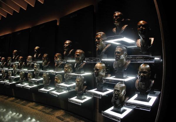 Галерея - Категория: Категория1 - Файл: The busts of the